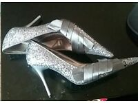 Pretty sparkly shoes size 5