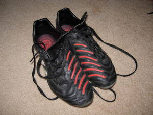 Men's Size 7.5 Adidas Outdoor Soccer Cleats