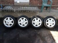 15'' Renault alloys 185/60 R15 Falken winter tyres