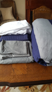Bed in a bag: Dorm Bedding Set