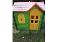 Little Tikes outdoor garden play house/ Wendy house