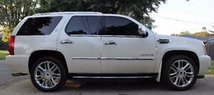New Price!!! PRISTINE - 1 OWNER - 2010 Cadillac Escalade Hybrid