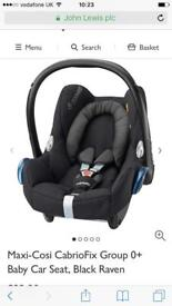Maxi cosi cabriofix baby car seat and easy fix base