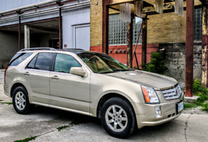 2009 Cadillac SRX 7-seater!  Super low km!