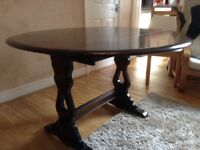 Priory round dinning table