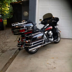 VERY CLEAN HARLEY DAVIDSON ULTRA CLASSIC ELECTRA GLIDE