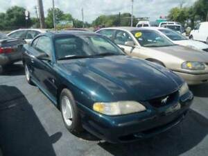 1995 Ford Mustang  green v8