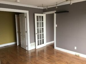 $990 orleans next to the mall and transit station