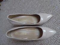 Luxury high heel shoes