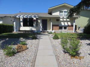 Comfortable Home in Glenbow Cochrane for Rent