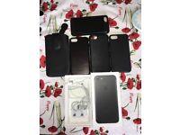 iPhone 7 matte black 32 GB unlocked + extra's