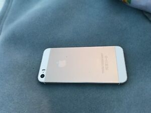 GOLD IPHONE 5S $250 *price is negotiable*