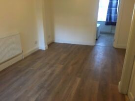 A WELL PRESENTED TWO BEDROOM GROUND FLOOR APARTMENT LOCATED CLOSE TO EALING AND DRAYTON GREEN STN