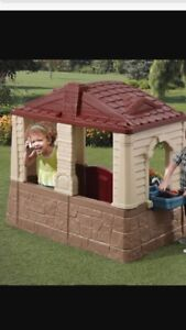 Children's Play house like new condition
