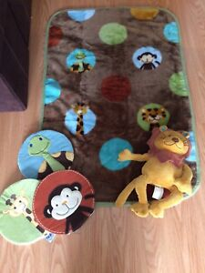 New without tag NoJo nursery decor, blanket and lion