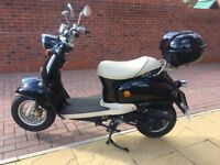 50cc Black Retro Scooter - 9 Months Old With New Top Box