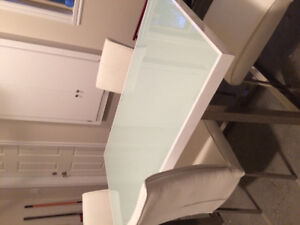 Beautiful Dining Table Set with 4 Chairs