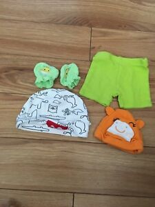 Small lot of new born clothes