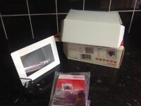 7inch Digital photo frame as new in box