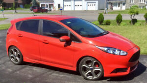2015 Ford Fiesta ST Hatchback Impeccable Valeur de 30 000$