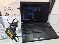 Toshiba ultrabook laptop 14 inch screen i3 2.5ghz 8gb ram 500gb hdd hdmi web cam windows 10