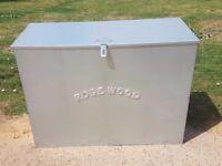 Feed bins/Rug boxes