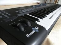 M Audio Axiom 61 midi controller keyboard
