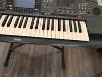 I sell keyboard yamaha 8000 prs very good condition