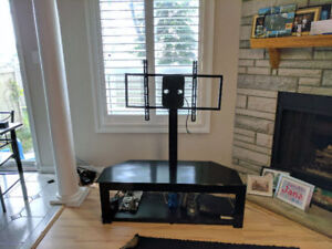 LCD/LED table with TV stand in a very good condition $50 OBO