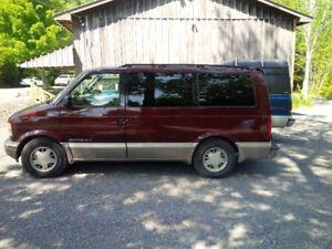 2001 GMC Safari SLT Minivan, Van