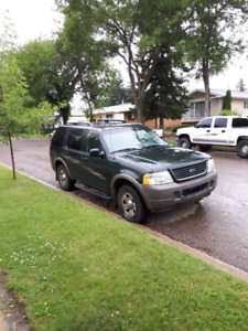 """2002 Ford Explorer XLS AWD 4x4. """"REDUCED TO $2000.00"""""""