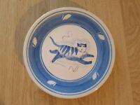 Val Sparkes pottery - 'Tiptoe' plate