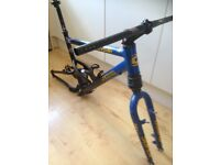 Cannondale jekyll frame and headshok fatty forks