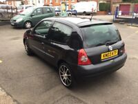 2003 Renault Clio 1.2cc--motd,alloys,ac,clean interior and body,103k,remote key,excellent runner