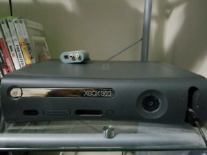 Xbox 360 120gb Elite with Over 30 games & 2 controllers!