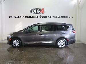 2017 Chrysler Pacifica Touring-L | Demo | Leather | Nav |