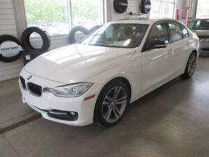 2014 BMW 3 Series 320i xDrive INT. ROUGE TOIT MAGS M