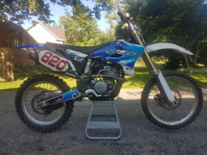 Yamaha YZ250F 5 Hours on Engines, Comes with everything