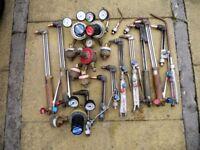 Oxy acetylene welding and burning kit, including gauges, flashback prev, nozzles