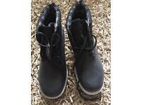 BNWT - Fila Heavy Duty Ankle Boots