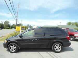 Grand Caravan SXT -LEATHER / STOW AND GO / LOADED