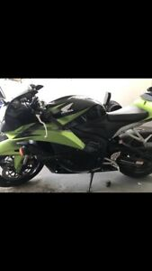 09 limited edition cbr600. MINT