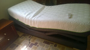 New Bed, Adjustable with Massage and Remote