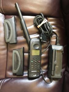 Qualcomm GSP 1600 Satellite Phone