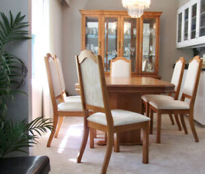 DININGROOM SUITE - HUTCH, BUFFETT 6 CHAIRS TABLE EXC CONDITION