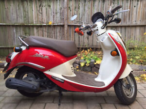 SYM Mio Scooter for sale