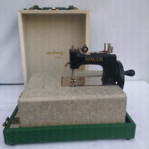 Vintage Singer Sewhandy Child's Sewing Machine