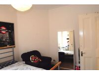 2F 2 Spacious Double rooms in Tidy Hyde Park Mansions 2 Mins from Edgware Road Station