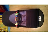 Babybjorn bouncer with wooden toy bar, great condition in black and grey