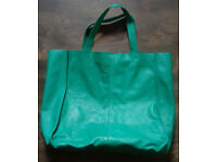 Ladies green leather shopping bag in good condition for sale for £10